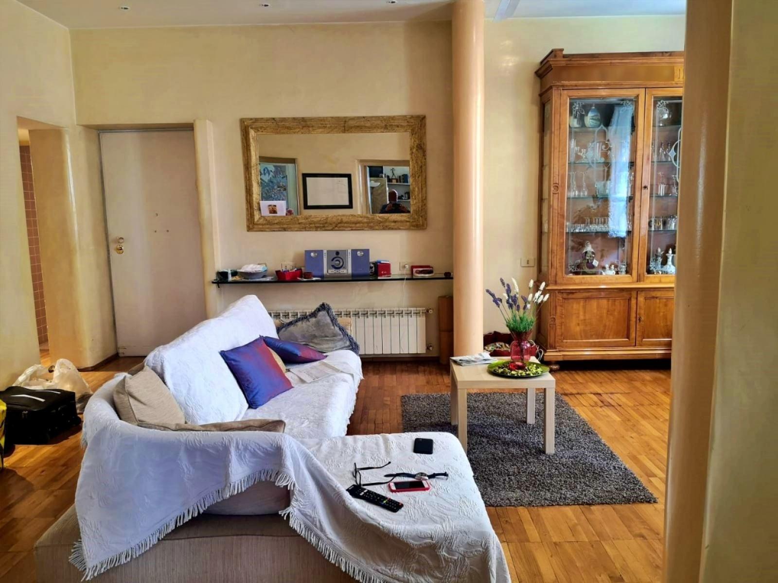 Appartamento Via Principe Amedeo soggiorno